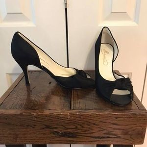 Michaleangelo black satin pumps size 10, worn once